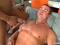 itsgonnahurt - Body Builder VS 14 Inch Dick