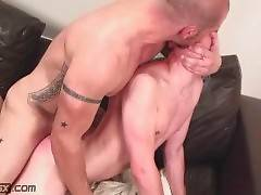 Tough Daddy Attacks Younger Guy 4